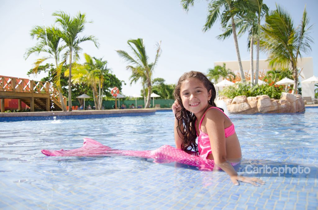 Fin Fun Mermaid Tails for Globetrotting Girls - Globetrotting Mommy