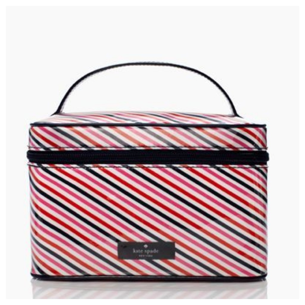 e33d6035a1cf Kate Spade Surprise Sale  Travel Edition - Globetrotting Mommy